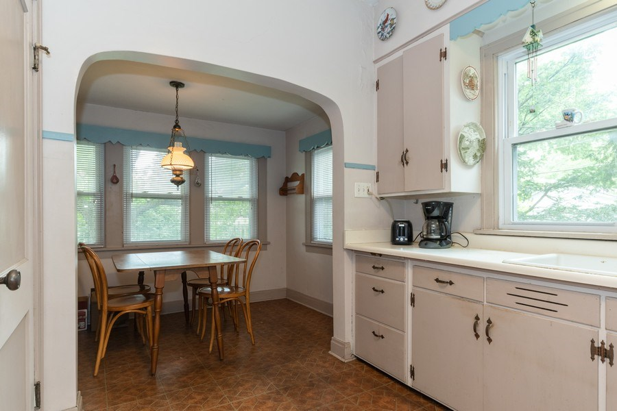 Real Estate Photography - 747 Rogers St, Downers Grove, IL, 60515 - Kitchen / Breakfast Room