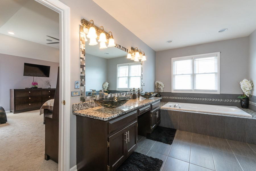 Real Estate Photography - 2833 Mapleside Ct, Aurora, IL, 60502 - Master Bathroom