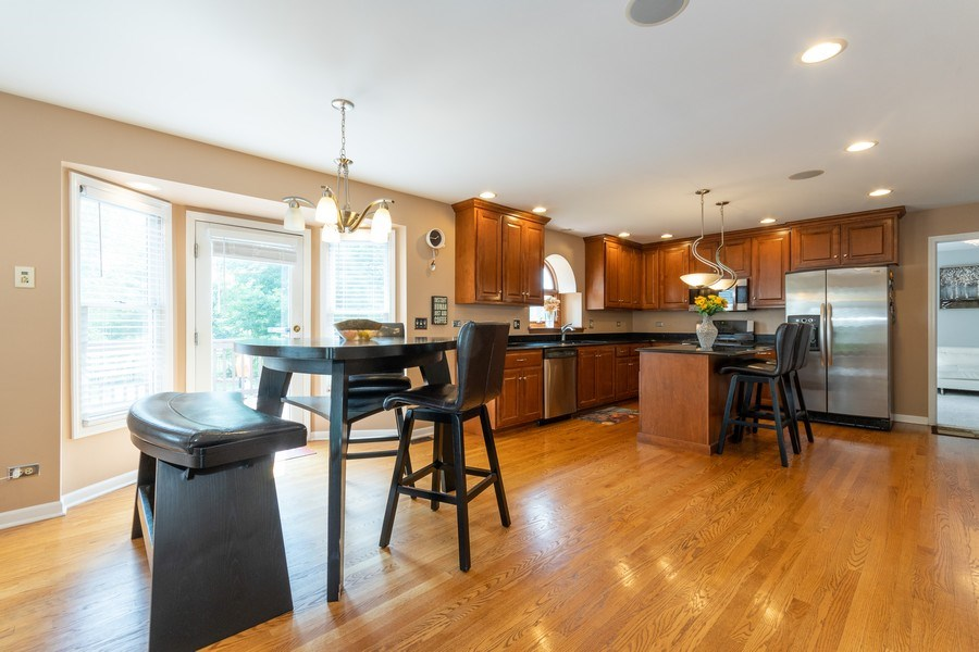 Real Estate Photography - 2833 Mapleside Ct, Aurora, IL, 60502 - Kitchen