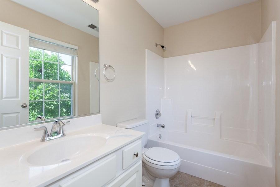 Real Estate Photography - 621 Spicebush Ln, Aurora, IL, 60504 - Master Bathroom