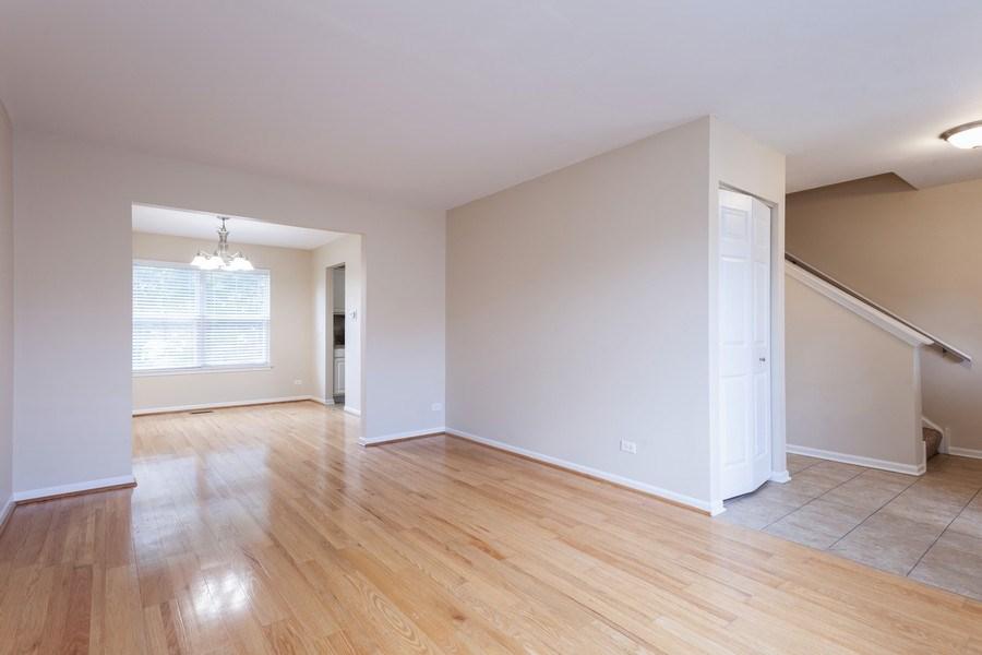 Real Estate Photography - 621 Spicebush Ln, Aurora, IL, 60504 - Living Room