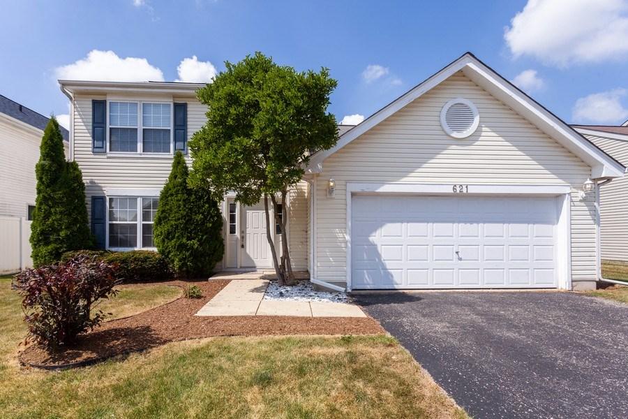 Real Estate Photography - 621 Spicebush Ln, Aurora, IL, 60504 - Front View