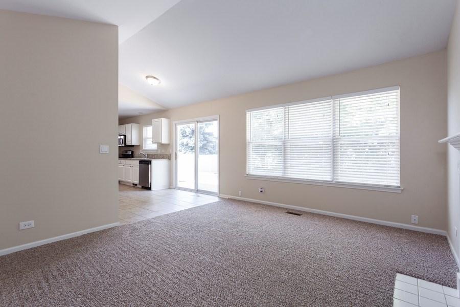 Real Estate Photography - 621 Spicebush Ln, Aurora, IL, 60504 - Family Room
