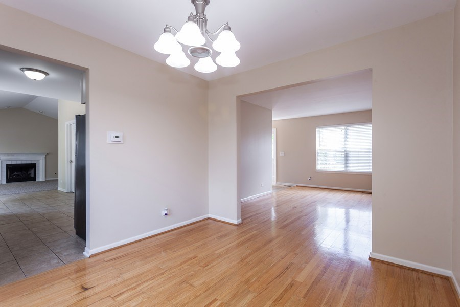Real Estate Photography - 621 Spicebush Ln, Aurora, IL, 60504 - Dining Area