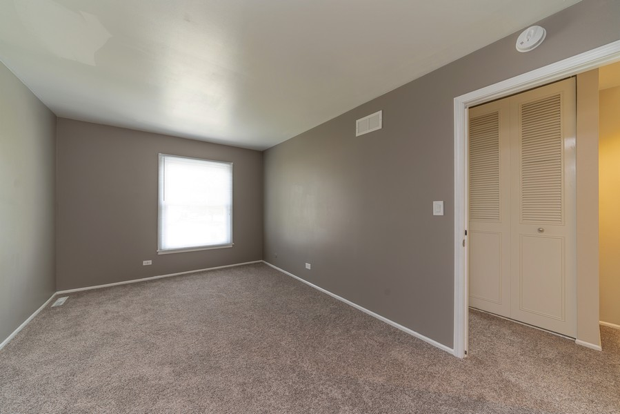 Real Estate Photography - 1694 Valley Forge Ct, D, Wheaton, IL, 60189 - Master Bedroom