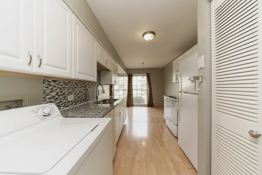 Real Estate Photography - 1694 Valley Forge Ct, D, Wheaton, IL, 60189 - Kitchen