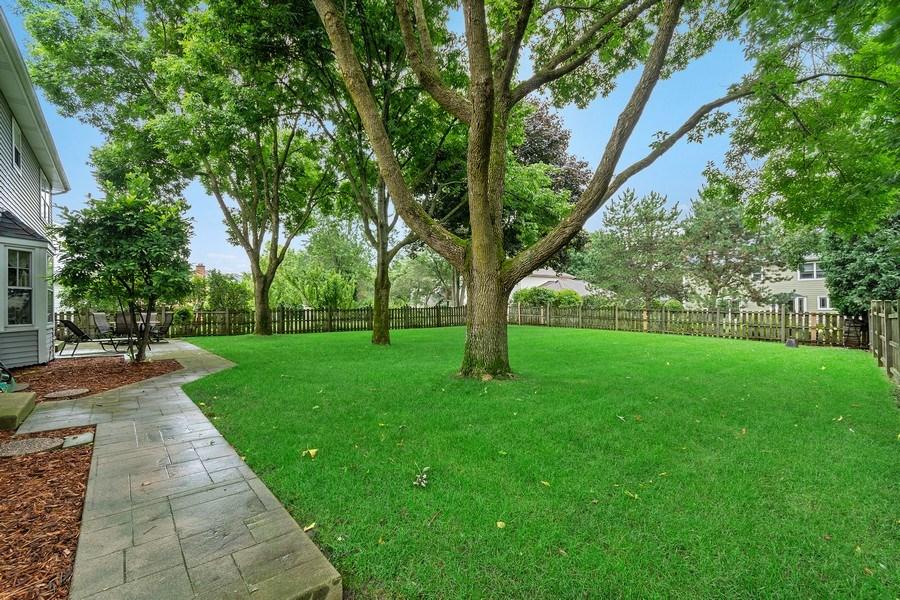 Real Estate Photography - 914 Monticello Dr, Naperville, IL, 60563 - Remove