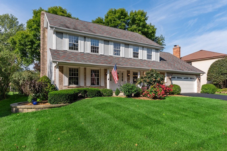 """Real Estate Photography - 914 Monticello Dr, Naperville, IL, 60563 - Welcome to a beautiful """"Columbia Estates"""" home"""