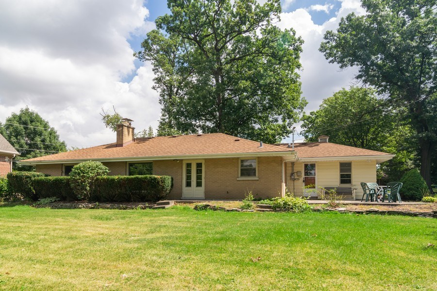 Real Estate Photography - 230 North Forest Ct, Addison, IL, 60101 - Rear View