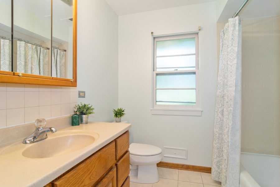 Real Estate Photography - 230 North Forest Ct, Addison, IL, 60101 - Bathroom