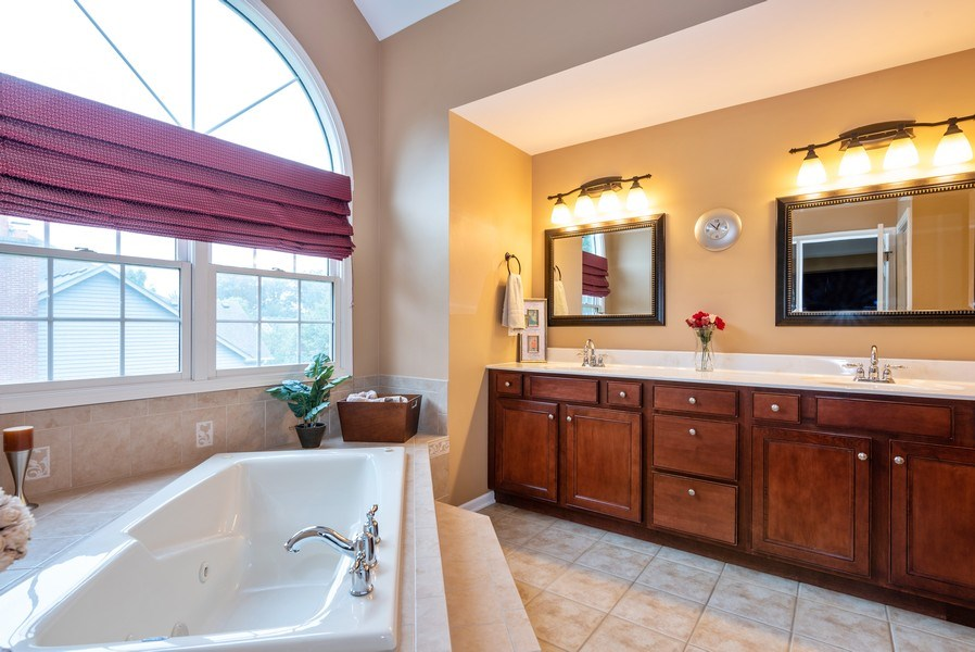 Real Estate Photography - 3320 Thunderbird Ln, Prairie Grove, IL, 60012 - Master Bathroom