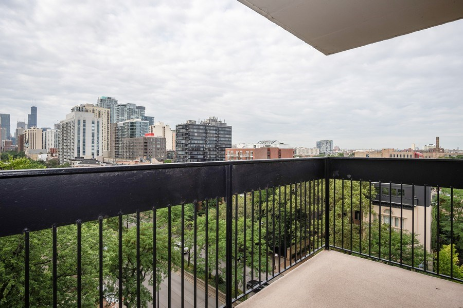 Real Estate Photography - 1360 N Sandburg Terrace, Unit 811, Chicago, IL, 60610 - Balcony