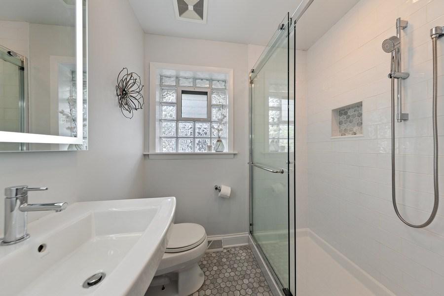 Real Estate Photography - 254 Scott Ave, Glen Ellyn, IL, 60137 - Bathroom