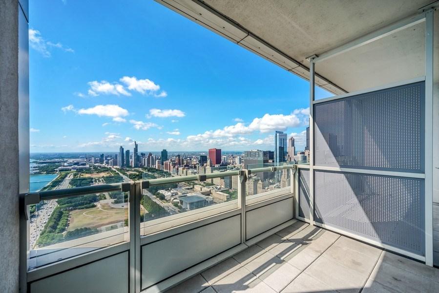 Real Estate Photography - 340 E Randolph St, Unit 5401, Chicago, IL, 60601 - Balcony