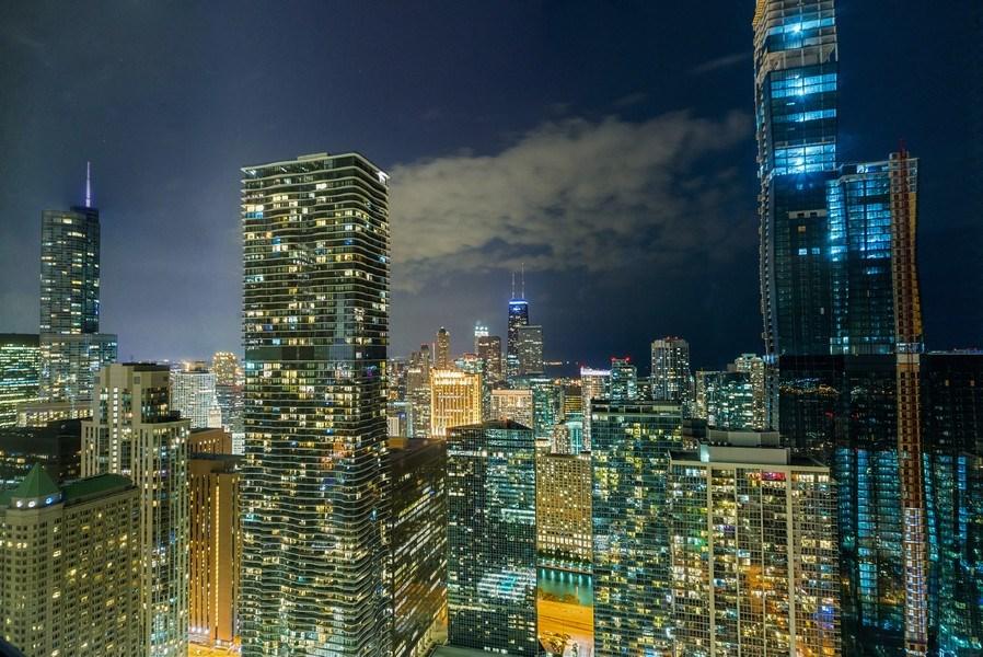 Real Estate Photography - 340 E Randolph St, Unit 5401, Chicago, IL, 60601 - View