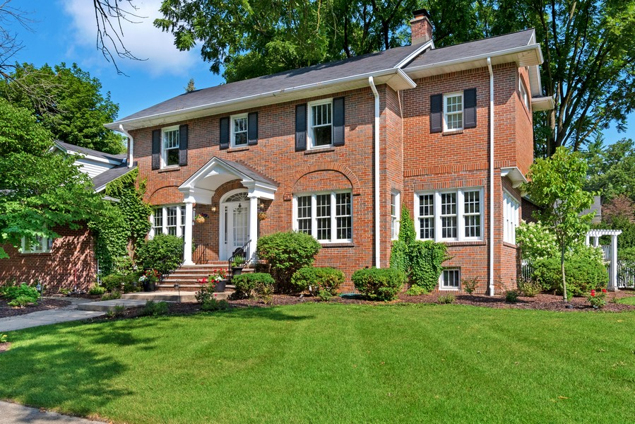 Real Estate Photography - 534 Forest Ave, Glen Ellyn, IL, 60137 - Front View