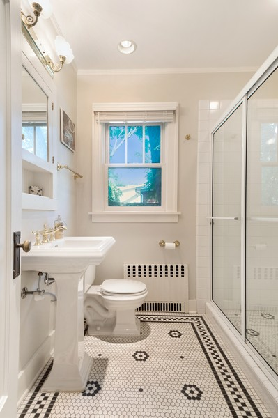 Real Estate Photography - 534 Forest Ave, Glen Ellyn, IL, 60137 - 2nd Bathroom