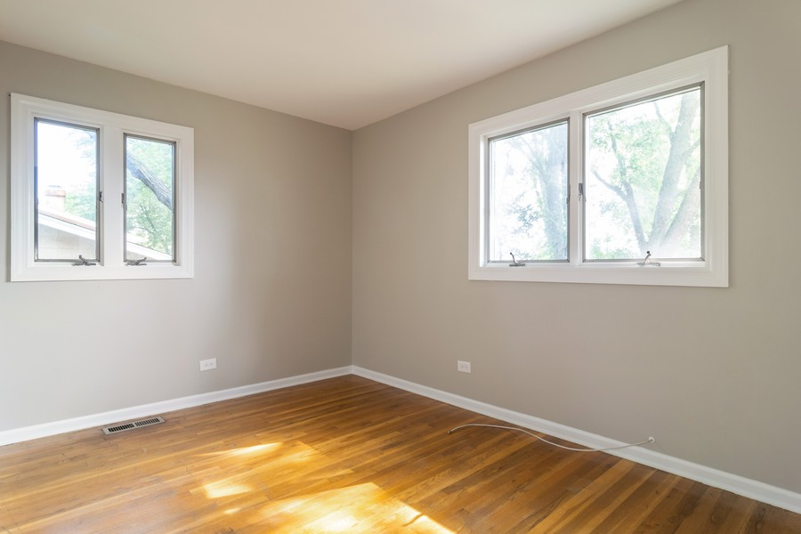 Real Estate Photography - 465 Aberdeen St, Hoffman Estates, IL, 60169-1903 - Bedroom