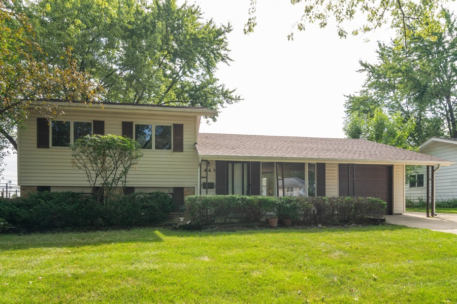 Real Estate Photography - 465 Aberdeen St, Hoffman Estates, IL, 60169-1903 - Front View