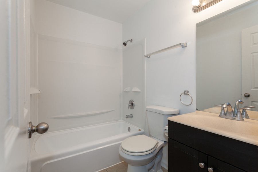 Real Estate Photography - 6 East Pine St, Streamwood, IL, 60107 - Bathroom