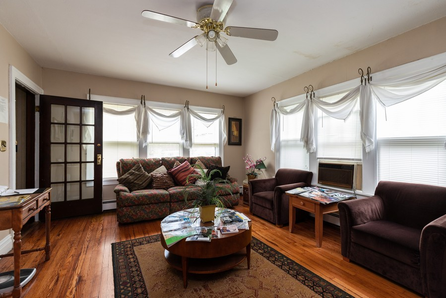Real Estate Photography - 1019 West Pacific Ave, Waukegan, IL, 60085 - Living Room