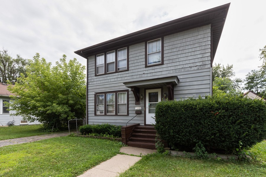 Real Estate Photography - 1019 West Pacific Ave, Waukegan, IL, 60085 - Front View
