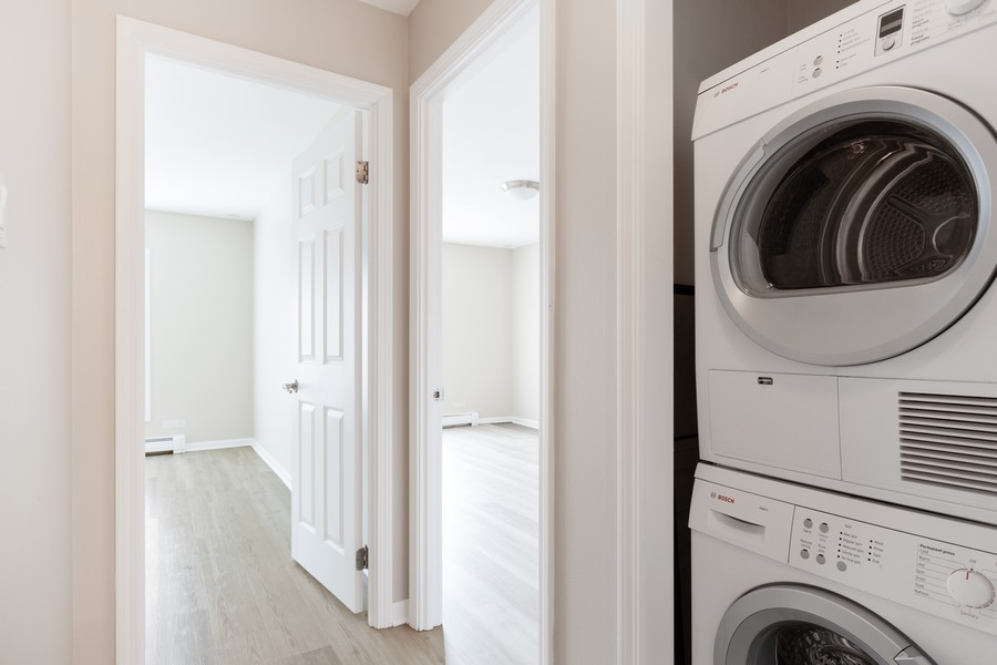 Real Estate Photography - 4900 Forest Ave, 304, Downers Grove, IL, 60515 - Laundry Room