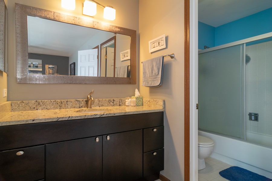 Real Estate Photography - 927 Hartwood Dr, Streamwood, IL, 60107 - Master Bathroom