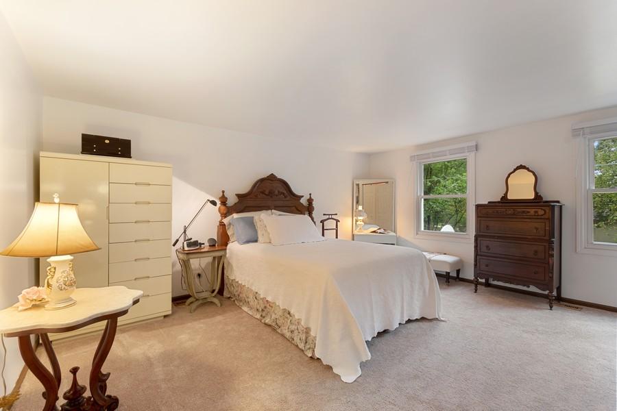 Real Estate Photography - 1520 Shenandoah Ln, Naperville, IL, 60563 - Master Bedroom