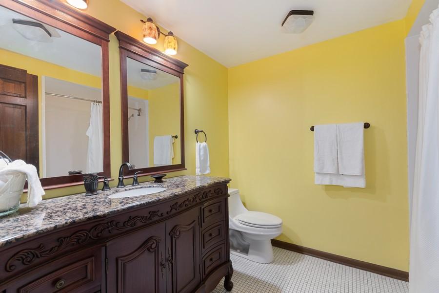 Real Estate Photography - 1520 Shenandoah Ln, Naperville, IL, 60563 - 2nd Bathroom