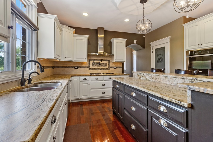 Real Estate Photography - 22622 Nature Creek Circle, Frankfort, IL, 60423 - Kitchen