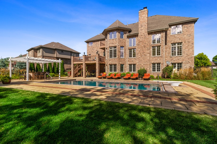 Real Estate Photography - 22622 Nature Creek Circle, Frankfort, IL, 60423 - Rear View