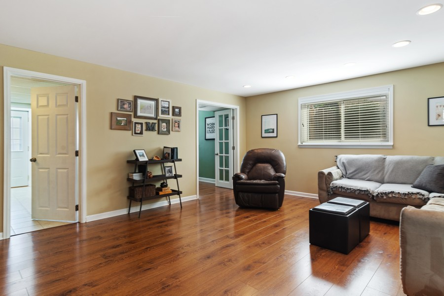 Real Estate Photography - 702 East Hackberry Dr, Arlington Heights, IL, 60004 - Family Room