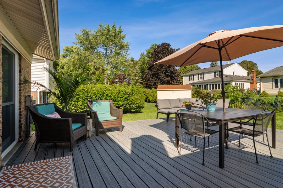 Real Estate Photography - 702 East Hackberry Dr, Arlington Heights, IL, 60004 - Deck