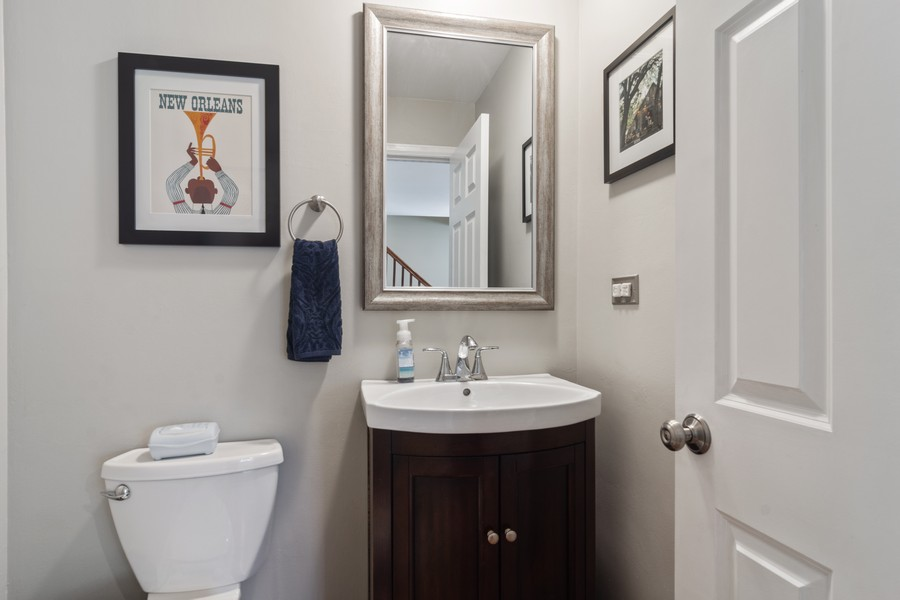Real Estate Photography - 702 East Hackberry Dr, Arlington Heights, IL, 60004 - Powder Room - VHT
