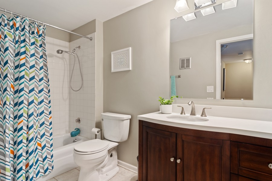 Real Estate Photography - 702 East Hackberry Dr, Arlington Heights, IL, 60004 - Hall Bath