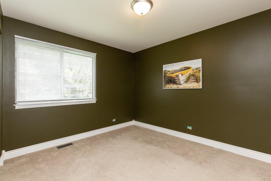 Real Estate Photography - 645 Old Oak Cir, Algonquin, IL, 60102 - 2nd Bedroom