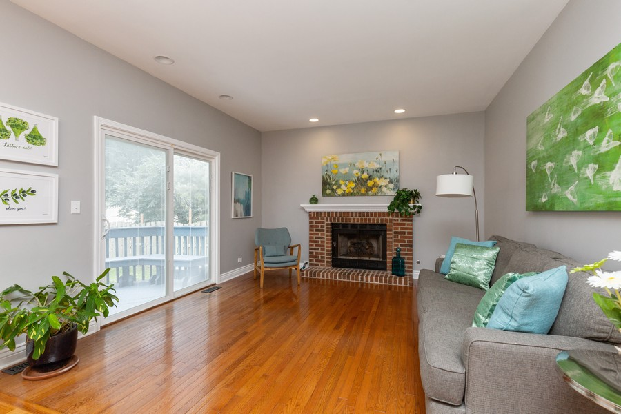 Real Estate Photography - 645 Old Oak Cir, Algonquin, IL, 60102 - Family Room