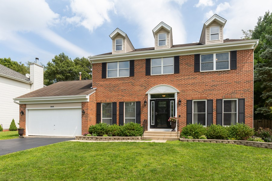 Real Estate Photography - 645 Old Oak Cir, Algonquin, IL, 60102 - Front View