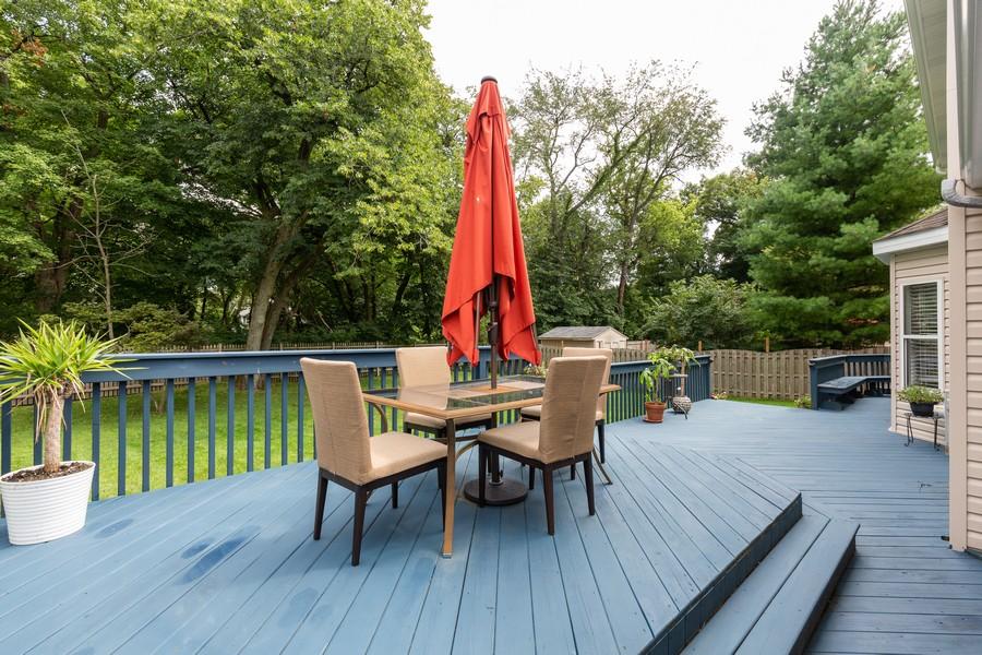 Real Estate Photography - 645 Old Oak Cir, Algonquin, IL, 60102 - Deck