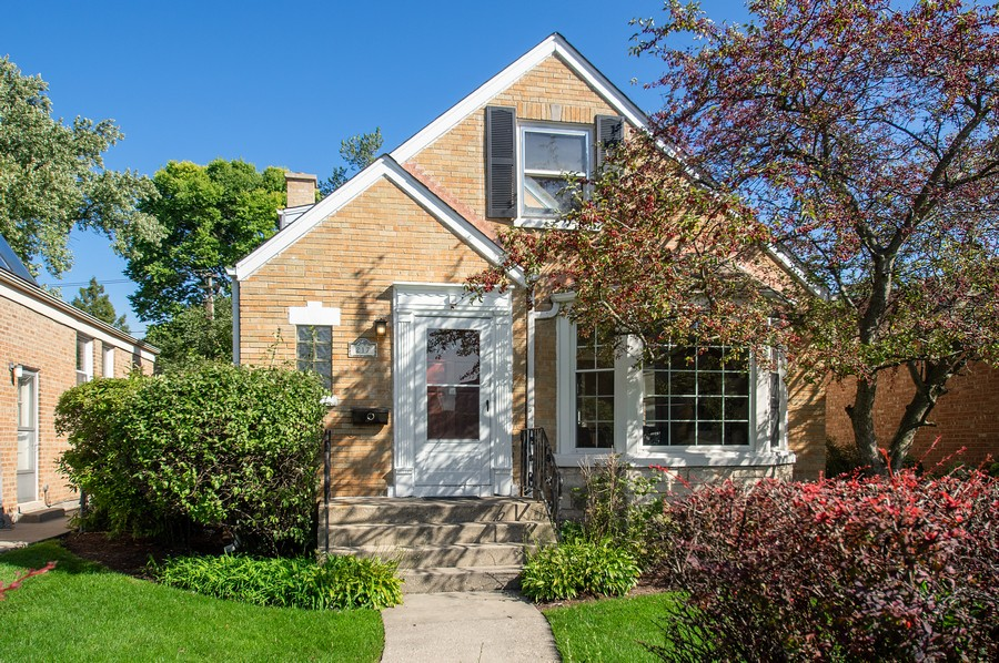 Real Estate Photography - 217 Hartrey Ave, Evanston, IL, 60202 - Front View