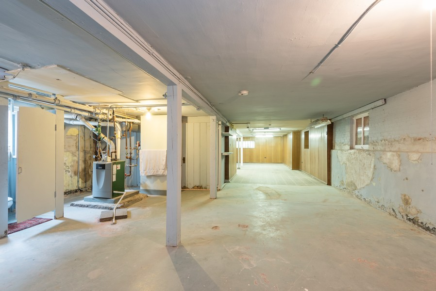 Real Estate Photography - 4820 West Oakdale Ave, Chicago, IL, 60641 - Basement