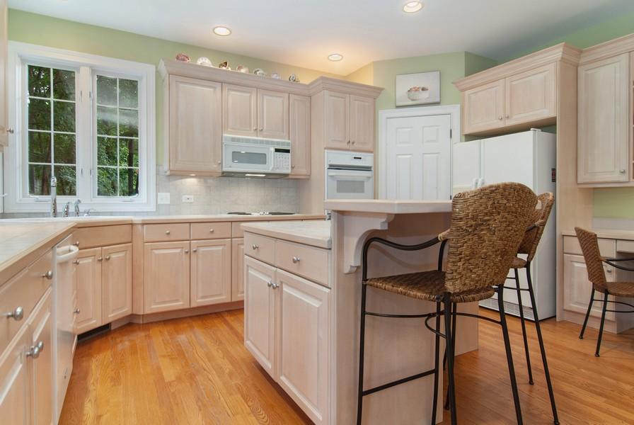 Real Estate Photography - 2306 Brookwood Ct, Aurora, IL, 60502 - Kitchen