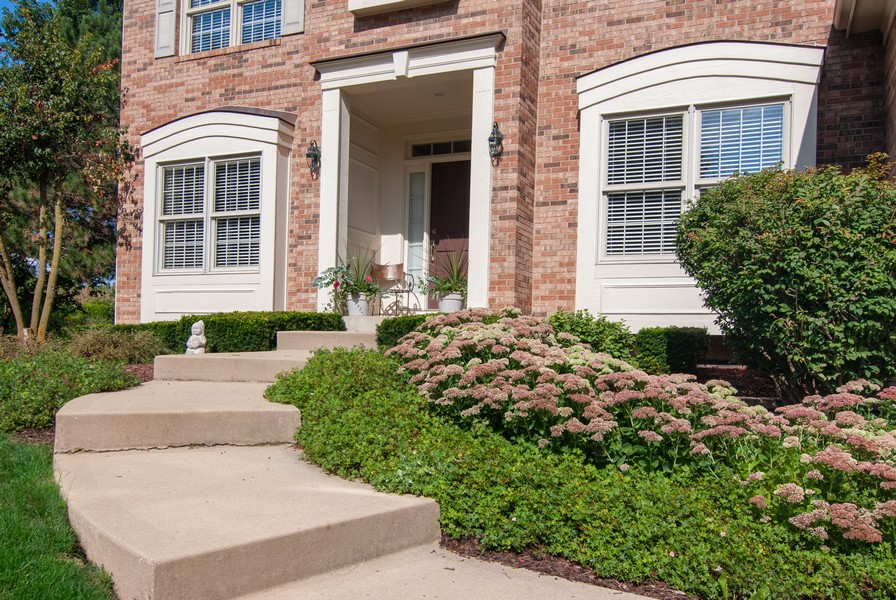 Real Estate Photography - 2306 Brookwood Ct, Aurora, IL, 60502 - Entryway