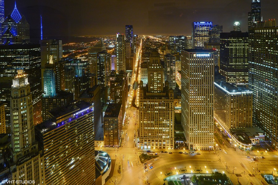 Real Estate Photography - 401 N Wabash, Unit 53E, Chicago, IL, 60611 - Night View