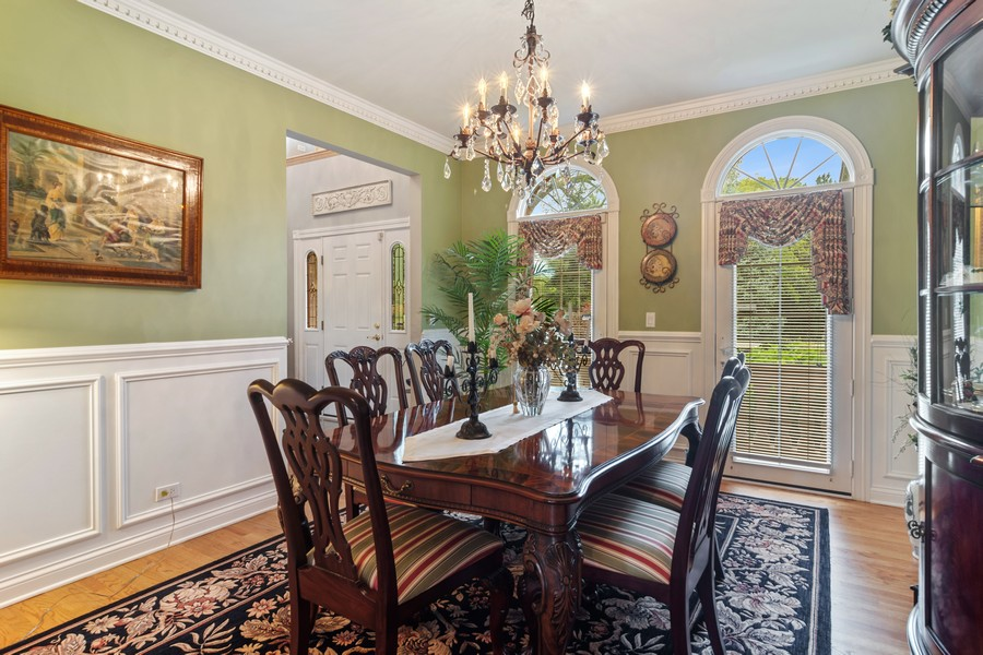 Real Estate Photography - 73 Covered Bridge Rd, South Barrington, IL, 60010 - Dining Room