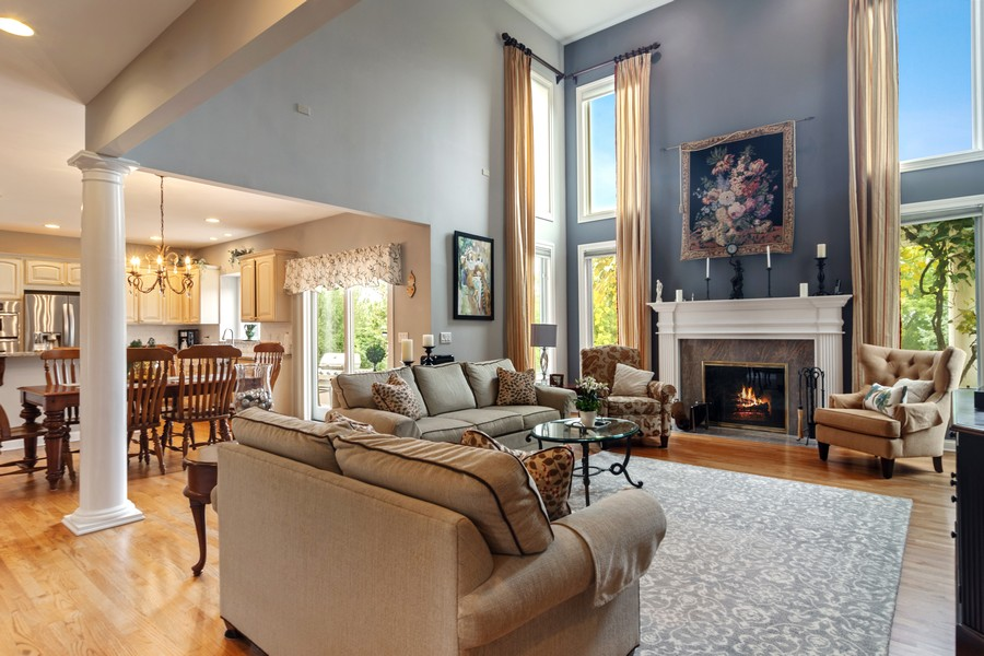 Real Estate Photography - 73 Covered Bridge Rd, South Barrington, IL, 60010 - Family Room
