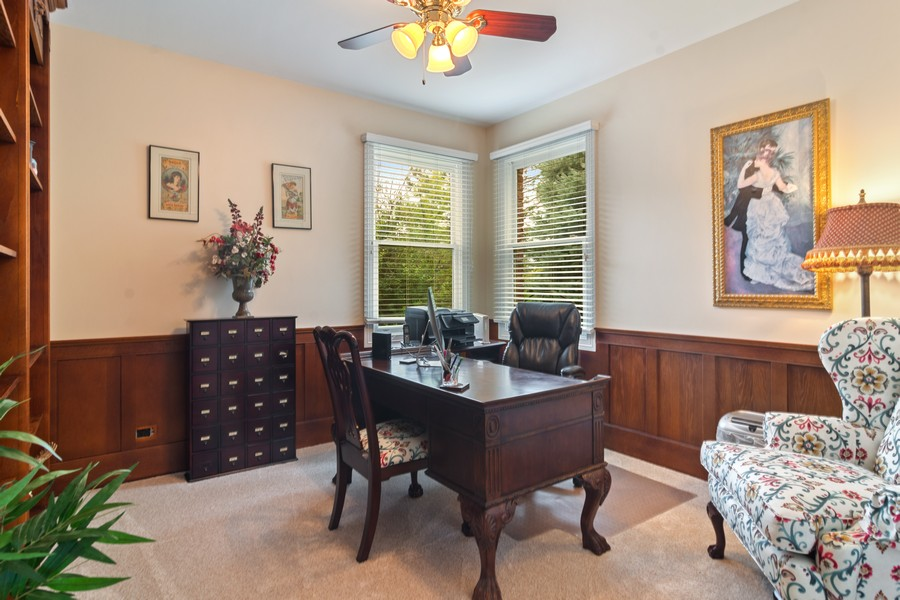 Real Estate Photography - 73 Covered Bridge Rd, South Barrington, IL, 60010 - Office