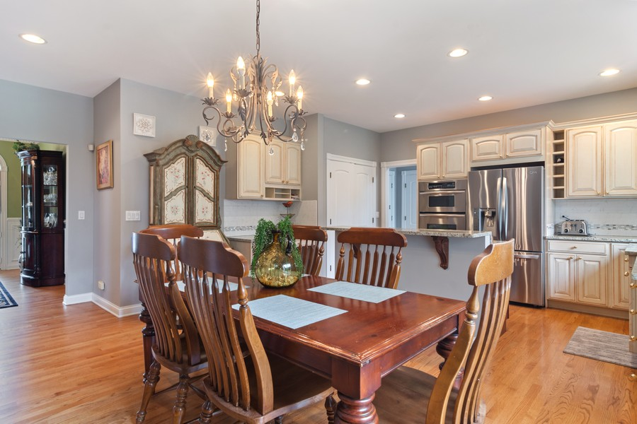 Real Estate Photography - 73 Covered Bridge Rd, South Barrington, IL, 60010 - Breakfast Nook