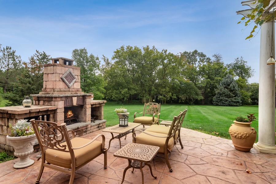 Real Estate Photography - 73 Covered Bridge Rd, South Barrington, IL, 60010 - Patio